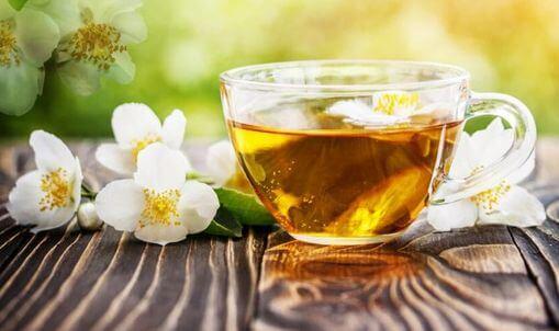 thé vert jasmin liqueur et fleur